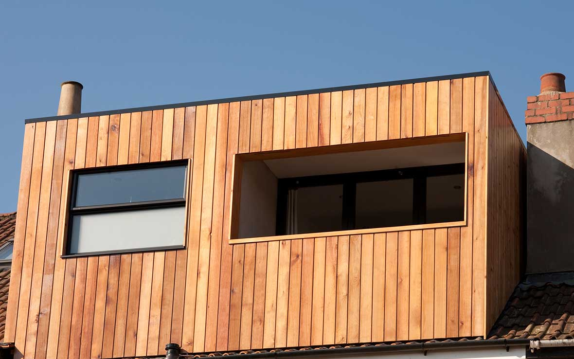 Alternative approach to extension exterior - hardwearing, weatherproof and beautiful American Cedar