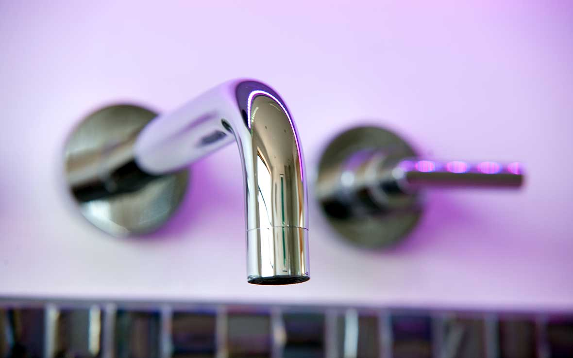 High-quality Vado™ lever taps