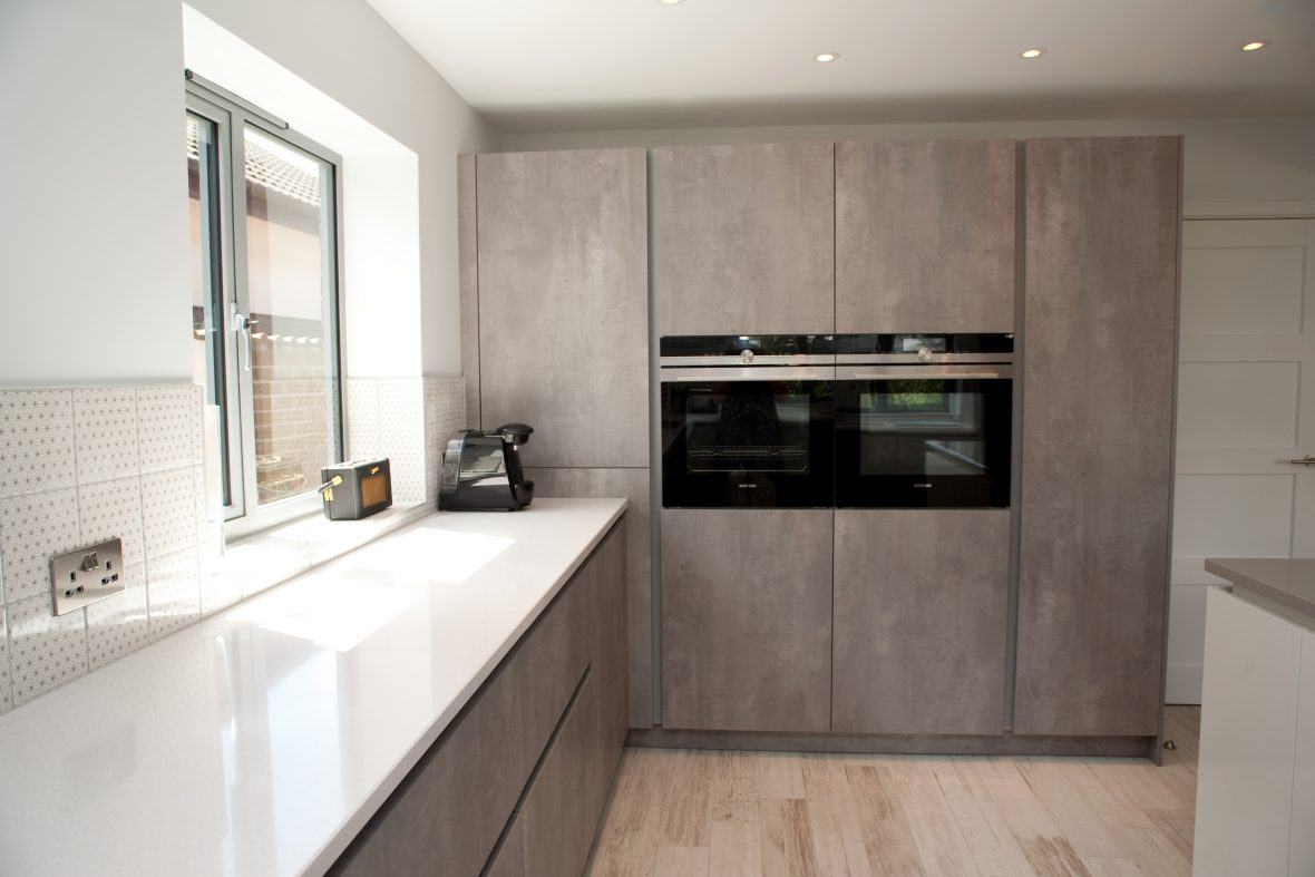 Siemens ovens (WiFi-enabled!), Leicht units designed by Bristol-based Kitchens by Design